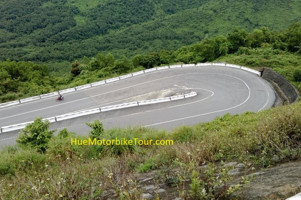 The spectacular Hai Van pass route between Hue and Hoi An