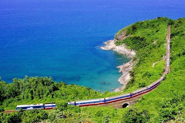 Hai Van Pass railway
