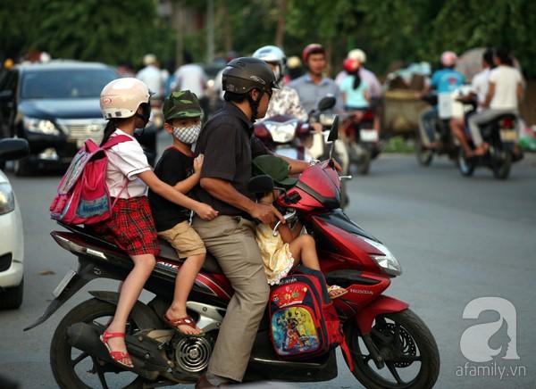 ride scooter in Vietnam