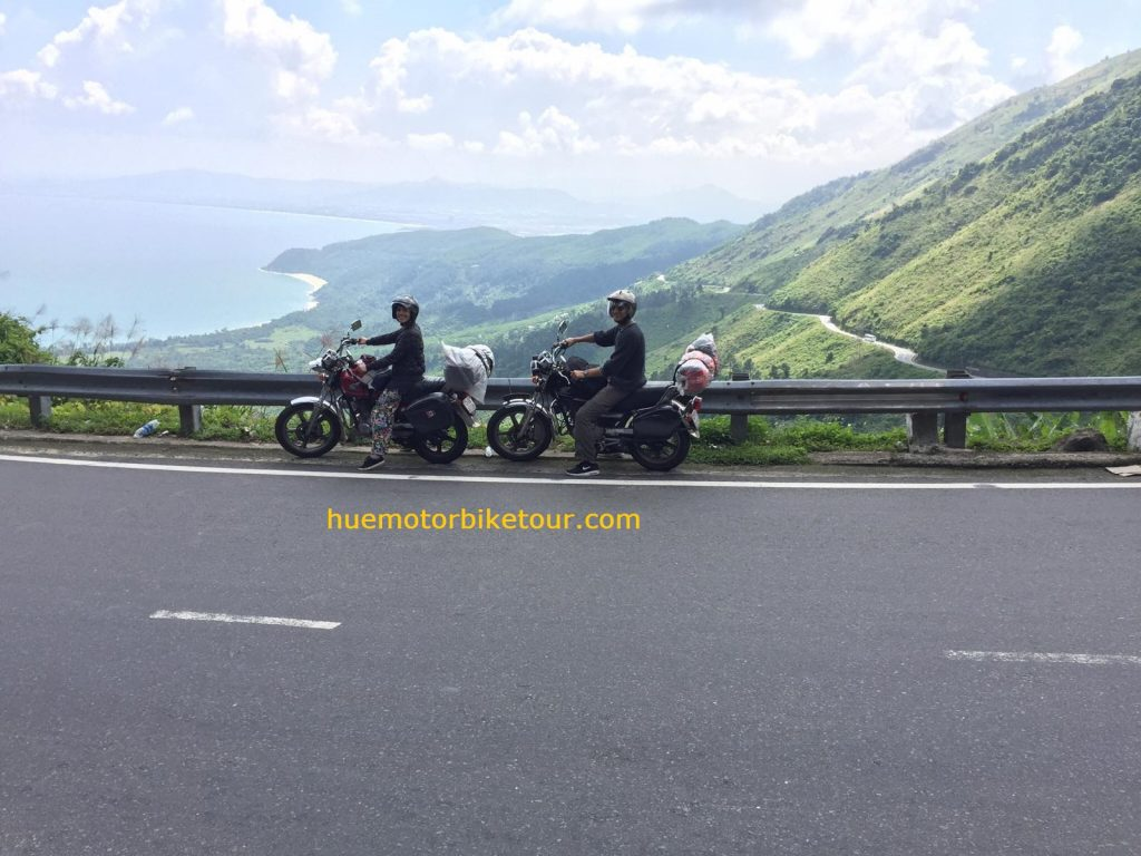 hai van pass motorcycle tour